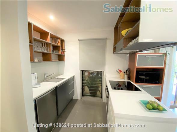 Urban Apartment Bush Retreat Home Rental in Bardon, Queensland, Australia 5