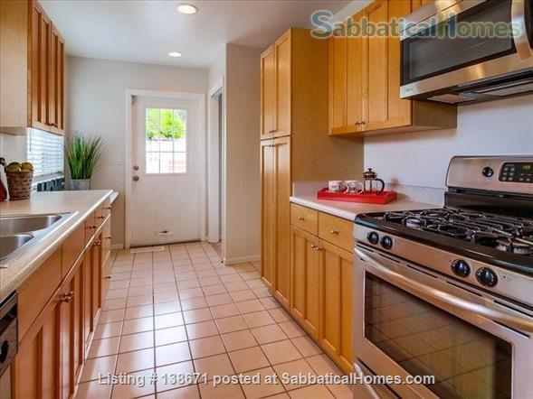Lovely Mid Century Home With Spacious Patio, Yard, Views and Bonus Cat Home Rental in San Diego, California, United States 3