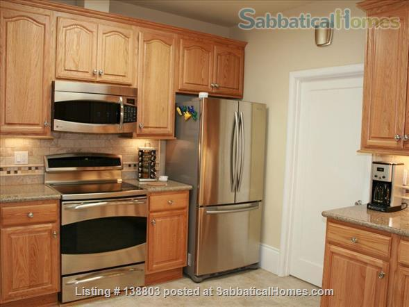 Heart of Elmwood ~  Location is Everything! All Inclusive Turn-key solution for visiting professionals! Home Rental in Berkeley, California, United States 4
