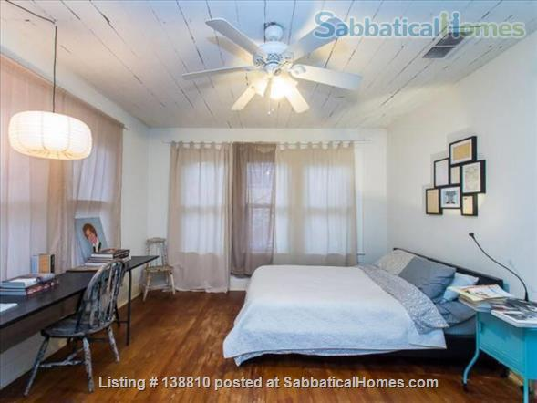 EAST AUSTIN ARTSY: 2BR/2B BUNGALOW Home Rental in Austin, Texas, United States 5
