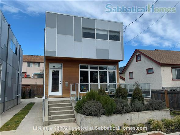 Modern, bright family home near downtown Home Rental in Victoria, British Columbia, Canada 1