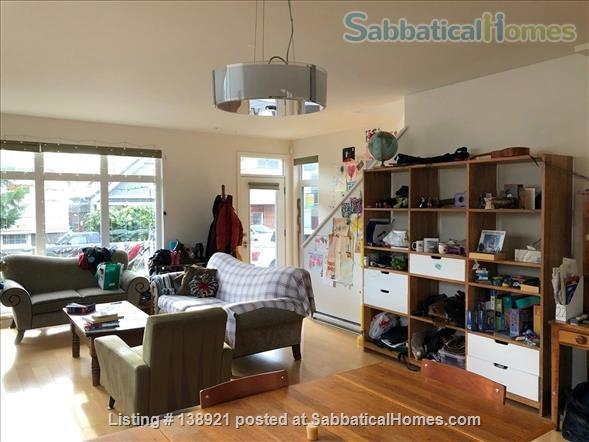Modern, bright family home near downtown Home Rental in Victoria, British Columbia, Canada 2