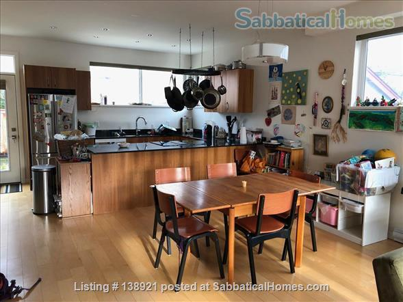 Modern, bright family home near downtown Home Rental in Victoria, British Columbia, Canada 3