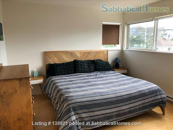 Modern, bright family home near downtown Home Rental in Victoria, British Columbia, Canada 4