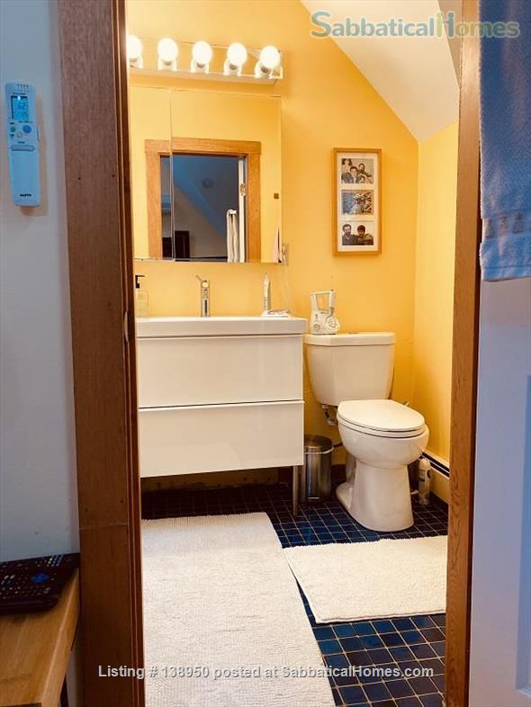 Fully furnished comfortable 3 bed 2 bath townhouse on very quiet street in  Inman Square Home Rental in Cambridge, Massachusetts, United States 7