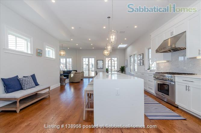 Luxury 3 bedroom 2 bath Penthouse with off street parking  Home Rental in Cambridge, Massachusetts, United States 1