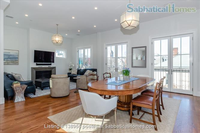 Luxury 3 bedroom 2 bath Penthouse with off street parking  Home Rental in Cambridge, Massachusetts, United States 0