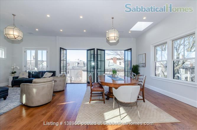 Luxury 3 bedroom 2 bath Penthouse with off street parking  Home Rental in Cambridge, Massachusetts, United States 2