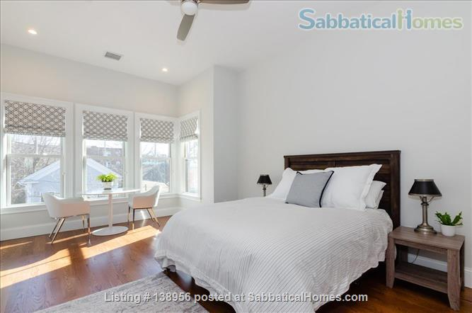 Luxury 3 bedroom 2 bath Penthouse with off street parking  Home Rental in Cambridge, Massachusetts, United States 3