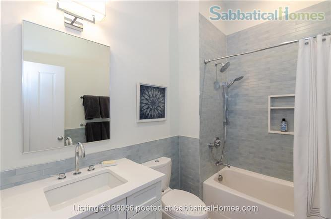 Luxury 3 bedroom 2 bath Penthouse with off street parking  Home Rental in Cambridge, Massachusetts, United States 4