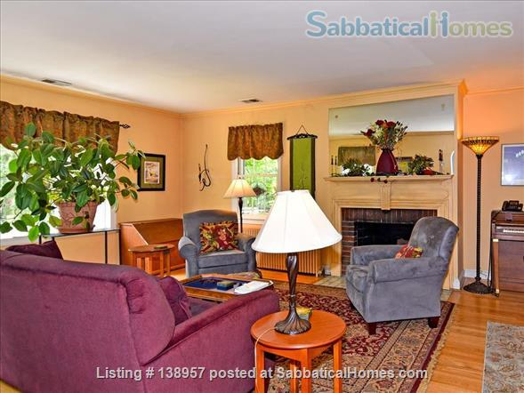 Comfy,  convenient single family home Home Rental in Silver Spring, Maryland, United States 2