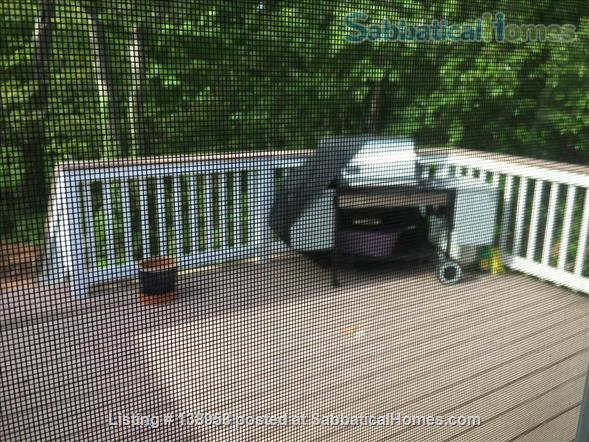 Lovely home in residential village - North Shore Long Island Home Rental in Huntington, New York, United States 4