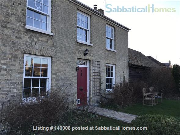 Traditional family home on outskirts of Cambridge Home Rental in Waterbeach, England, United Kingdom 1