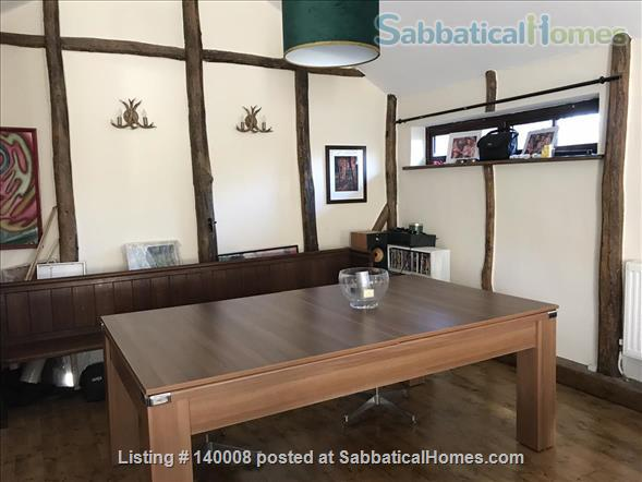 Traditional family home on outskirts of Cambridge Home Rental in Waterbeach, England, United Kingdom 4