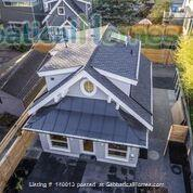 1.5 bedroom brand new laneway house Home Rental in Vancouver, British Columbia, Canada 1