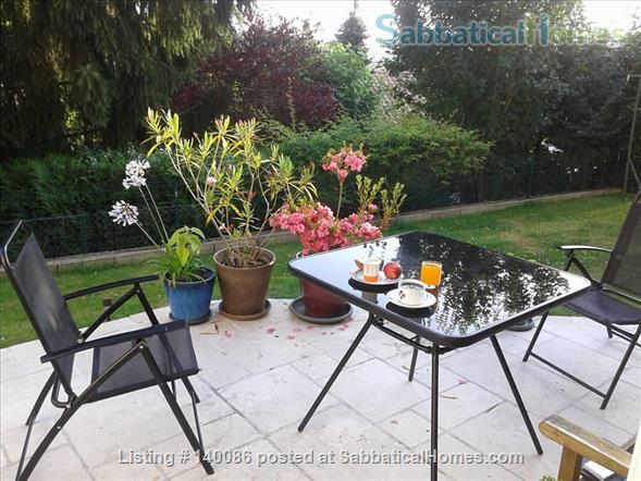 Neat town house with garden in Medieval Poitiers Home Rental in Grand Poitiers, Nouvelle-Aquitaine, France 1