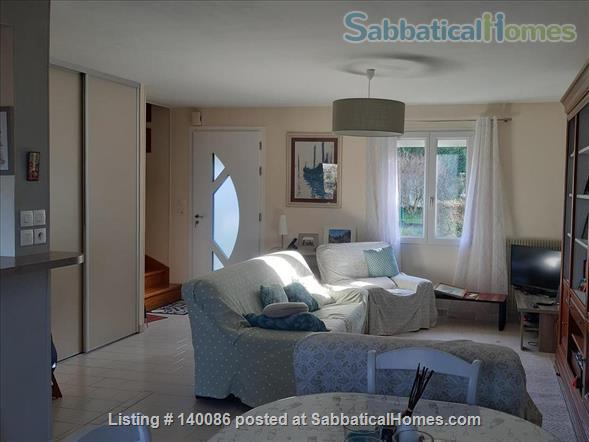 Neat town house with garden in Medieval Poitiers Home Rental in Grand Poitiers, Nouvelle-Aquitaine, France 3