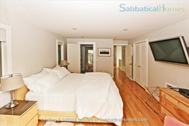 Gorgeous Contemporary Northampton MA Home Rental in Northampton, Massachusetts, United States 3