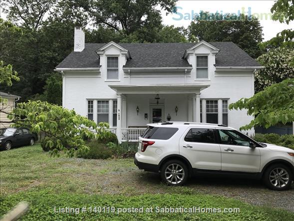 Steps to UVA. 1933 Lewis Mountain Rd Home Rental in Charlottesville, Virginia, United States 1