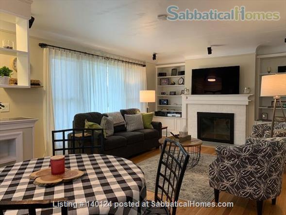 Beautiful 3 bedroom Ranch 2 miles from Campus Home Rental in Ann Arbor, Michigan, United States 1