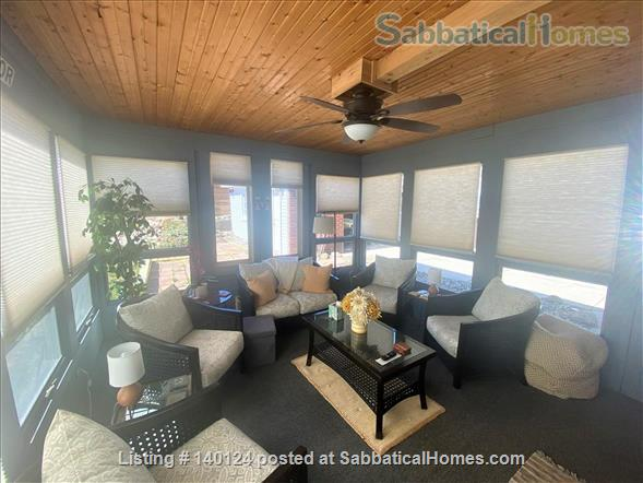 Beautiful 3 bedroom Ranch 2 miles from Campus Home Rental in Ann Arbor, Michigan, United States 2