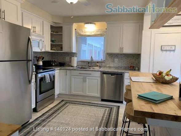 Beautiful 3 bedroom Ranch 2 miles from Campus Home Rental in Ann Arbor, Michigan, United States 8