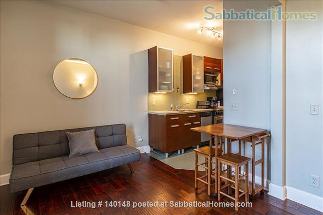 Comfy NY-style Short North Condo Home Rental in Columbus, Ohio, United States 2