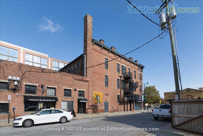 Comfy NY-style Short North Condo Home Rental in Columbus 3