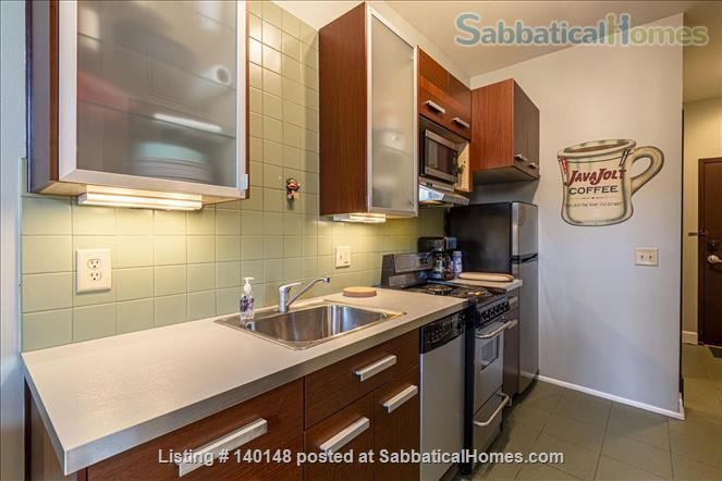 Comfy NY-style Short North Condo Home Rental in Columbus, Ohio, United States 5