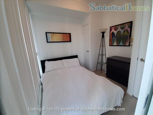 Downtown Furnished 2 Bedrooms + Large Den,  2 Bathrooms next to Union subway, Harbourfront Home Rental in Toronto 6