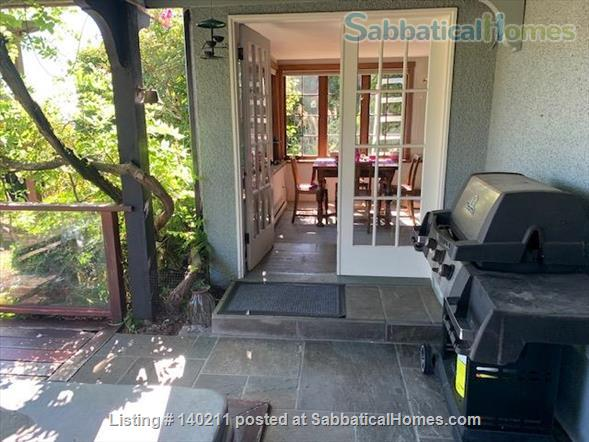Furnished Sunny Studio to Rent Home Rental in West Vancouver, British Columbia, Canada 2
