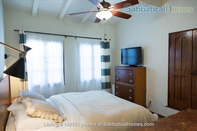 COZY BEDROOM IN A HISTORIC LA NEIGHBORHOOD Home Rental in Los Angeles, California, United States 3