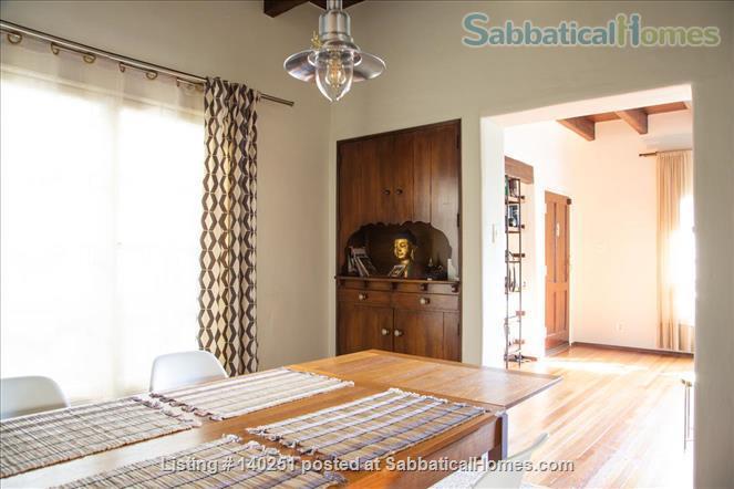 COZY BEDROOM IN A HISTORIC LA NEIGHBORHOOD Home Rental in Los Angeles, California, United States 6