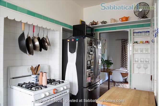 COZY BEDROOM IN A HISTORIC LA NEIGHBORHOOD Home Rental in Los Angeles, California, United States 8