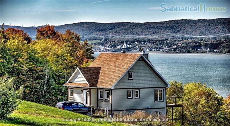La Maison Laurentienne (Ile d'Orléans 295003). Home Rental in Sainte-Famille, Quebec, Canada 0