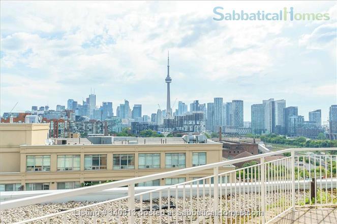 Bright 1 Bedroom + Den Condo in the Heart of King West Home Rental in Toronto, Ontario, Canada 9