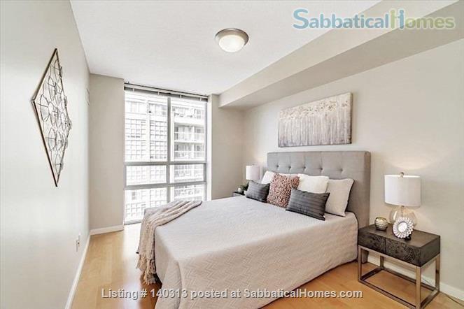 Bright 1 Bedroom + Den Condo in the Heart of King West Home Rental in Toronto, Ontario, Canada 5