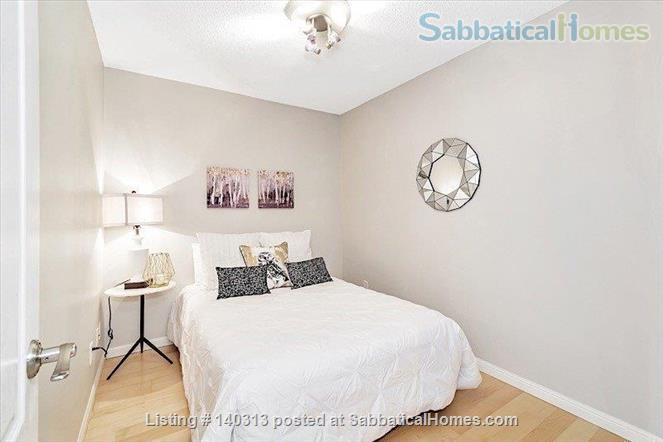 Bright 1 Bedroom + Den Condo in the Heart of King West Home Rental in Toronto, Ontario, Canada 6