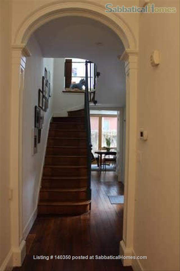 Light and airy townhouse in Bella Vista Home Rental in Philadelphia 4