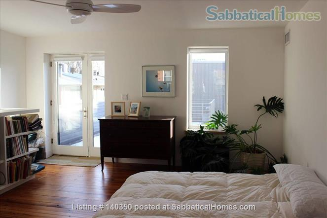 Light and airy townhouse in Bella Vista Home Rental in Philadelphia 7