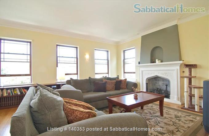 SUBLIME 27 WINDOW PENTHOUSE WITH A COVERED GARAGE IN WEST ROGERS PARK Home Rental in Chicago, Illinois, United States 0