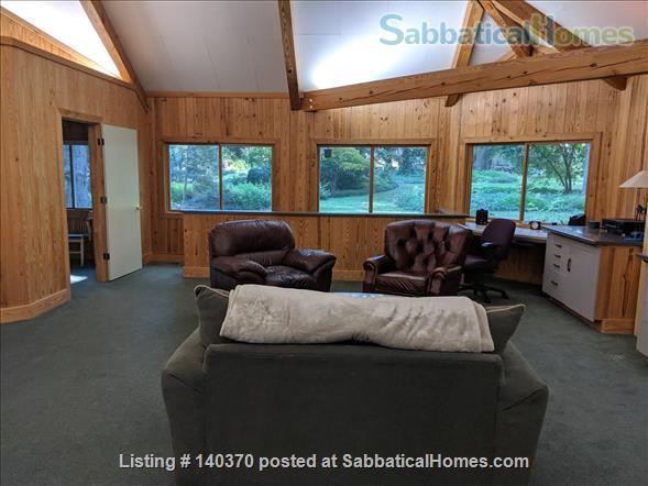 Timber Frame Home on 5 Acres of garden Home Rental in Chapel Hill, North Carolina, United States 6