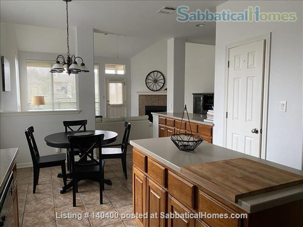 4 Bedroom Home, near Outlet Mall/Game Room/ BBQ Home Rental in Round Rock, Texas, United States 2