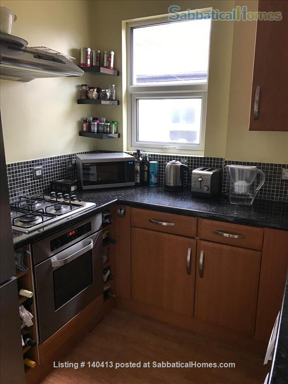 Well-presented double bedroom in north London Home Rental in Greater London, England, United Kingdom 8