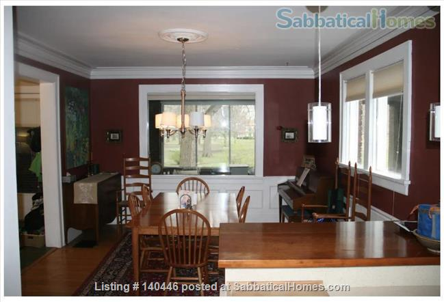 Charming sunny 5+ BR home, walk to UIUC campus Home Rental in Urbana, Illinois, United States 1