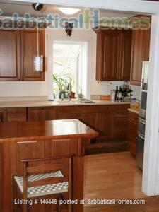 Charming sunny 5+ BR home, walk to UIUC campus Home Rental in Urbana, Illinois, United States 0