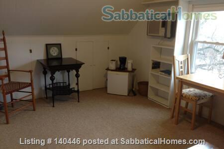 Charming sunny 5+ BR home, walk to UIUC campus Home Rental in Urbana, Illinois, United States 7