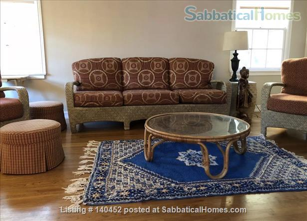 Oasis - West Los Angeles Furnished home with fruit trees and fenced yard Home Rental in Los Angeles, California, United States 4