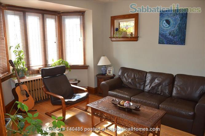 Warm, 3BR/2Bath furnished home w/ finished basement in a walkable neighbourhood Home Rental in Toronto, Ontario, Canada 0