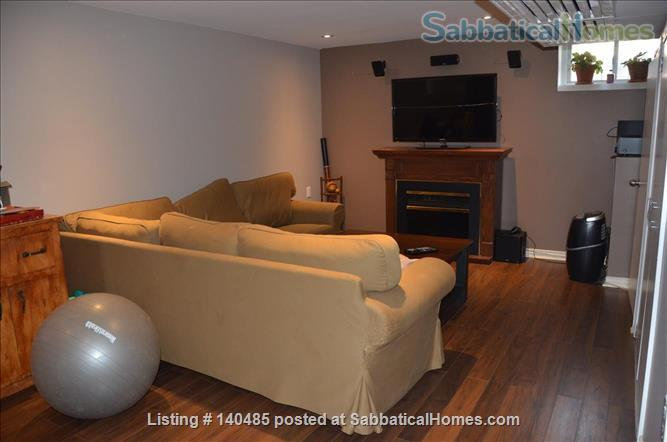 Warm, 3BR/2Bath furnished home w/ finished basement in a walkable neighbourhood Home Rental in Toronto, Ontario, Canada 4